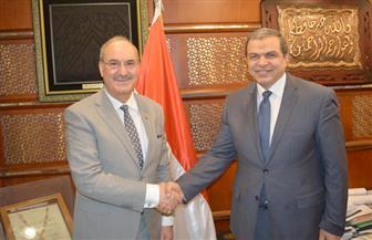 وزير القوى العاملة: تذليل أى عقبة أمام صرف المعاشات التقاعدية للمصريين بالعراق| صور