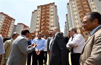 """وزير الإسكان يتابع الانتهاء من تنفيذ 7440 وحدة سكنية بمشروع """"الأسمرات 3""""   صور"""