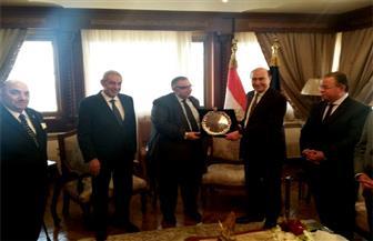 مميش يكرم أمين عام مجلس إدارة المنطقة الاقتصادية
