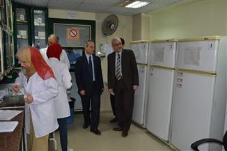 نائب رئيس هيئة التأمين الصحي يتفقد مستشفى المجمع الطبي بطنطا | صور