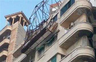 """""""أمن الإسكندرية"""" ينصح المواطنين بتغيير مسارهم المروري بعد سقوط لوحة إعلانية"""