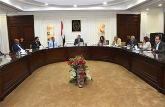 وزير الإسكان يطالب بتشغيل مدارس الحى السكنى بالعاصمة الإدارية الجديدة | صور