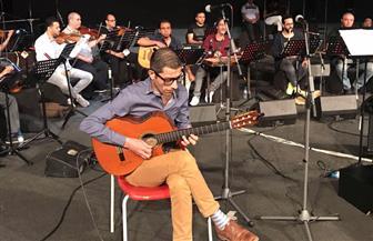 وحيد ممدوح يفاجئ جمهور السعودية برؤى موسيقية جديدة لأعمال شادية