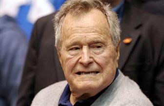 خروج الرئيس الأمريكي السابق جورج بوش الأب من العناية المركزة