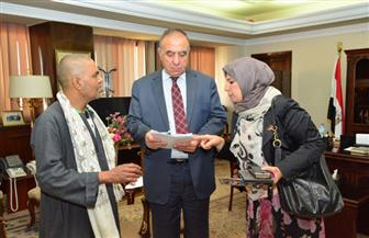 وزير التنمية المحلية يستقبل مجموعة من أهالي الصعيد لحل مشكلاتهم
