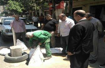 """رئيس حي الزيتون يشرف على إصلاح هبوط أرضي في شارع """"ابن سندر""""  صور"""