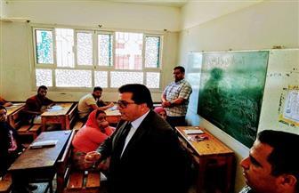 مدير تعليم جنوب سيناء يتفقد امتحانات النقل بالتعليم الفنى.. ويشدد على تعليمات داخل اللجان | صور
