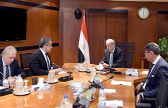 رئيس الوزراء يلتقي وزير الآثار للوقوف على تداعيات حادث الحريق بالمتحف المصري الكبير