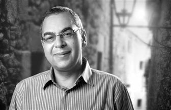 """""""صالون قنديل أم هاشم"""" يناقش """"مسار أحمد خالد توفيق في الكتابة"""" في بيت السناري"""