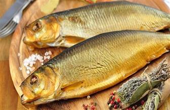 """أربع نصائح  من خبراء التغذية لـ""""وجبة فسيخ ورنجة"""" آمنة في شم النسيم"""