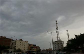 غيوم تغطي سماء البحر الأحمر.. والمحافظة ترفع درجة الاستعداد لمواجهة سوء الأحوال الجوية