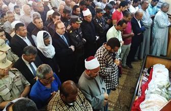 محافظ بنى سويف يتقدم جنازة الشهيد الرائد مصطفى حمدون | صور