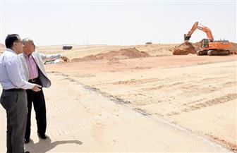 مدبولي يتفقد أعمال توصيل المرافق بأحياء العاصمة الإدارية  قبل إعلان حجز الوحدات السكنية | صور