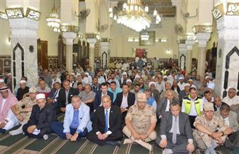 محافظ السويس وقيادات الجيش والشرطة والأهالي يحتفلون بليلة النصف من شعبان بمسجد الأربعين| صور