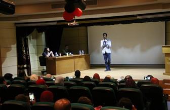 عبدالله حسن في أمسية شعرية بكلية الإعلام في الأكاديمية العربية| صور