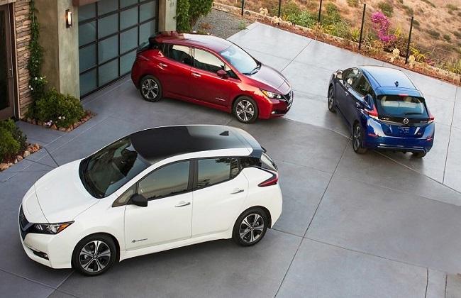 نيسان ليف  أول سيارة كهربائية تفوز بجائزة  سيارة العالم الخضراء  -