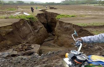 صدع هائل يهدد بانقسام إفريقيا إلى شطرين.. وخبراء جيولوجيون: الأمطار السبب   صور