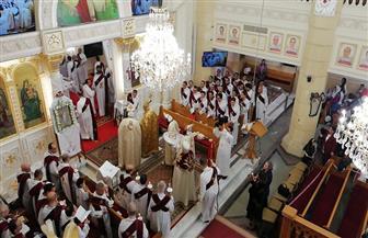 الأنبا بولا يترأس قداس عيد القيامة بكنيسة مار جرجس والشهداء بطنطا | صور