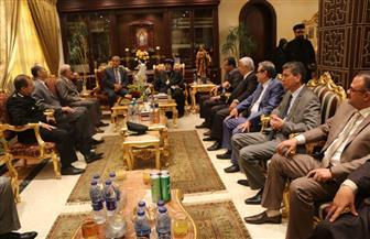 وزير التموين ومحافظ جنوب سيناء يهنئان كاتدرائية السمائيين بشرم الشيخ بعيد القيامة المجيد  صور