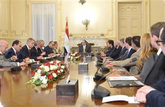 الرئيس السيسى خلال استقباله وفدا أمريكيا: علاقتنا بواشنطن إستراتيجية ونسعي لتطويرها| صور