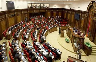برلمان أرمينيا ينتخب رئيس الوزراء بعد مظاهرات حاشدة