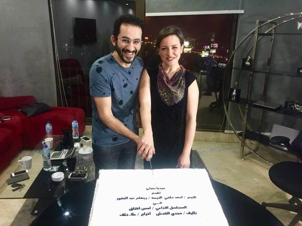 لمس أكتاف  يجمع بين أحمد حلمي وريهام عبد الغفور في رمضان   صور -