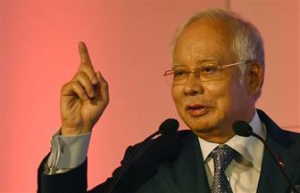 رئيس الوزراء الماليزي السابق نجيب رزاق يستقيل من رئاسة حزب وتحالف