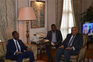 وزير الخارجية يستقبل رئيس الجمعية الوطنية البوركيني