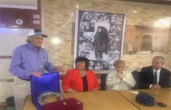 """إيناس عبد الدايم: درع وزارة الثقافة لـ """"نادية لطفي"""" تقديرًا لمشوارها السينمائي الكبير"""