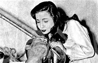 شادية وكارم محمود وزوزو نبيل مع المسحراتى عام 1952 فى صور نادرة