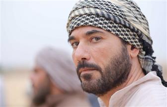 """أحمد عز ينقذ ابنه من حكم الإعدام في الحلقة الأولى من """"أبو عمر المصري"""""""