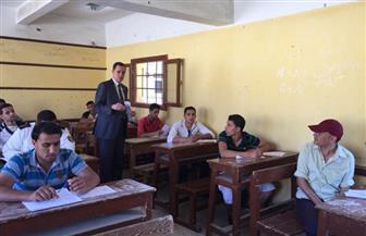 نائب وزير التعليم يكتشف كوارث خلال جولة بامتحانات الدبلومات الفنية
