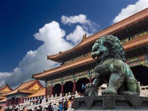 """""""المدينة المحرّمة"""" .. بقعة صينية تروي أساطير 24 إمبراطورا وأسرار علاقتهم بالسماء والكون والتنانين العملاقة"""
