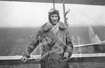 تعرف علي قصة أحمد حسنين باشا مع طائرة الأميرة فائقة في لندن عام 1930 | صور نادرة