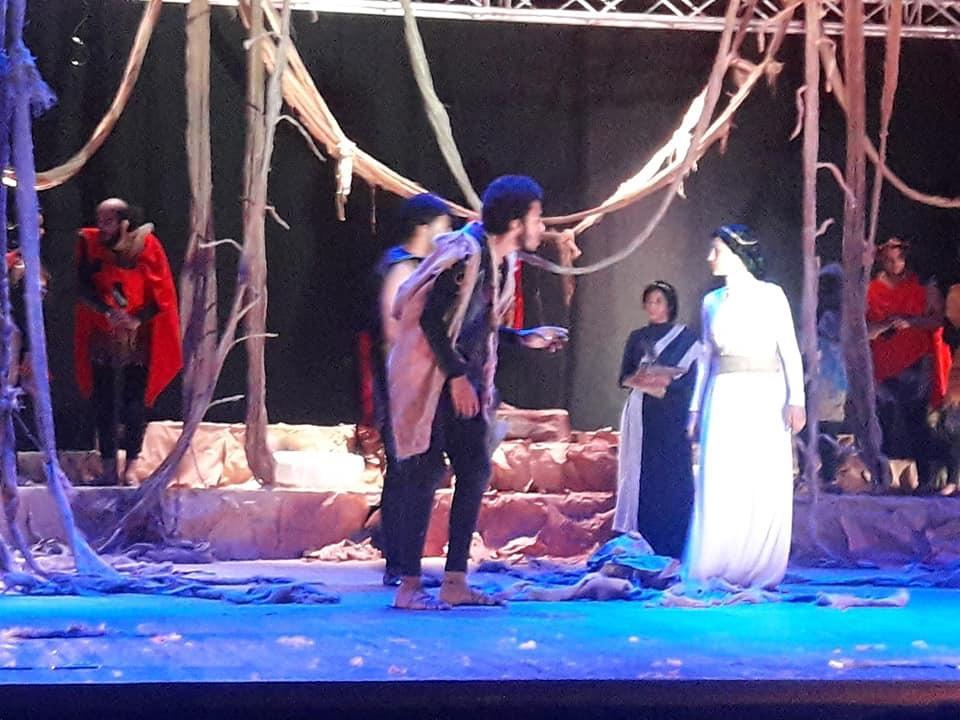 كلية التجارة تحصد المركز الأول في الملتقى المسرحي الـ41 بجامعة طنطا   صور -