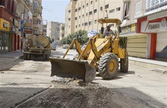 مساعد محافظ كفر الشيخ يتابع الأعمال التمهيدية لرصف شارع الحكيم لقمان | صور