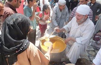"""موائد الدراويش فى رمضان.. تكية عم رضا بحى الحسين """"عدس وملوخية"""""""