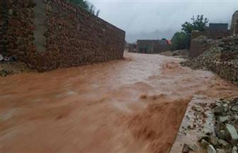 سفير الرياض في اليمن: فريق إعادة الإعمار السعودي بدأ برفع أضرار إعصار مكونو بسقطرى