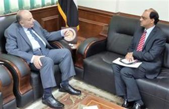 وزير التعليم العالى يتسعرض تقريرا حول لقاء نائبه بمستشار سفارة باكستان