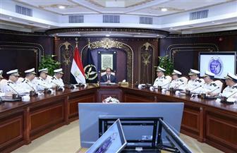 وزير الداخلية يوجه بتكثيف الحملات المرورية طوال اليوم.. ومواجهة احتكار السلع بالسوق