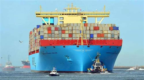 43 سفينة تعبر قناة السويس اليوم بحمولة 2.7 مليون طن