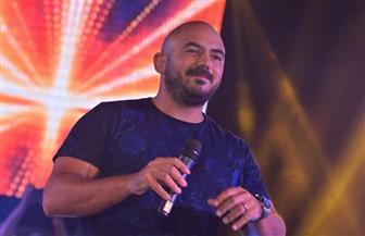 """""""العسيلي"""" يوثق ذكري تخرج طلاب جامعة الإسكندرية بحفل غنائي"""