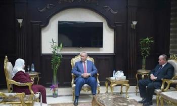 محافظ البحر الأحمر يستقبل رئيس مجلس إدارة الشركة القابضة للسياحة والفنادق|صور