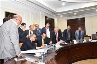 وزير الإسكان ومحافظ القاهرة يتابعان تطوير العشوائيات..ومدبولى:8.5 مليار جنيه لإعادة تسكين قاطنى 11 منطقة