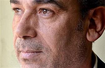 "سمير درويش ""ثائر مثل غاندي زاهد كجيفارا"" في ديوان جديد"