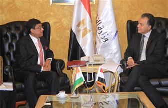 وزير النقل يستقبل السفير الهندي بالقاهرة لبحث المشروعات اللوجستية والموانئ الجافة | صور