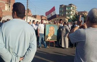 أهالي القليوبية ينتظرون جثمان خالد محيي الدين لدفن الجثمان في مسقط رأسه | صور
