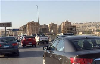 كثافات مرورية بالطريق الدائري والأوتوستراد وكورنيش النيل بسبب زيادة الأحمال| صور