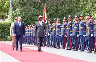 الرئيس السيسي يستقبل نظيره الأوغندى بقصر الاتحادية