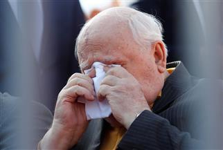 جورباتشوف يجتر الماضي باكيا أثناء الاحتفال بيوم النصر الروسي